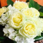 熊本からお花のご依頼ございます。まだまだ不安を抱えておられる中でお花をお贈りされる想いに頭が下がります。ONE HEART